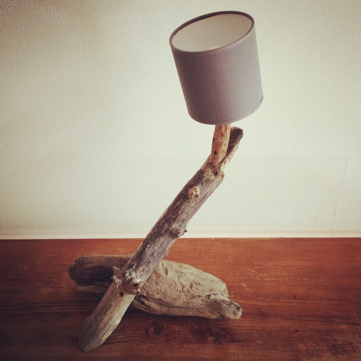 Lampe bois flotté - Art by Ze studio Annecy